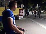 2 Français se suivent pour baiser dans un…