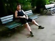 Français TTBM se branlent dans un parc…