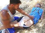 Hétéro déchire le cul du mec qui le matait…