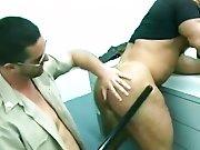 Gros culs poilus et gras de détenus baisés…
