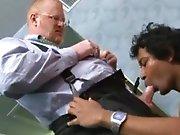 Vieux gay roux sodomise un Brésilien de 40…