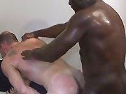 Sodomie violente par un Black qui baise sans…