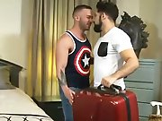 De retour de voyage il baise son mec comme…