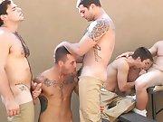2 jeunes vide couilles dans la prison !
