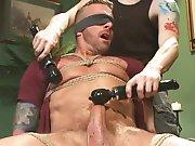 Plaisir violent entre les mains d'un mâle…