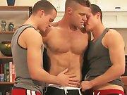Des potes sportifs pour baiser en trio !