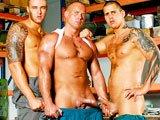 Gros zobs d'ouvriers gays en double…