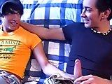 Skateur hétéro initié aux plaisirs gays