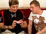 Gays débutants testent un sex toy !
