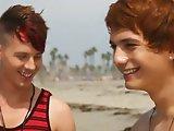 Séduit sur la plage ils vont faire l'amour