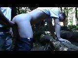 Français fait la pute dans un bois