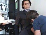 Jeune Français sucé au bureau