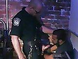 Policier baise un informateur gay