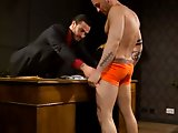 Sexe gay hard avec un escort boy