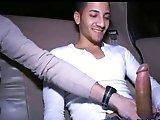 Arabe TTBM sucé en voiture