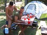 Rapprochement sexuel au camping