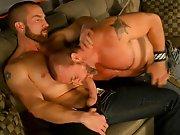 Bonne baise entre gays matures aux gros sexes