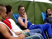 Concours de branle entre hétéros en camping…