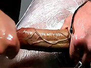 Grosse bite veineuse de jeune branlée par un…
