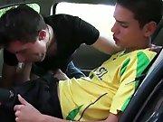 Jeune Français sort sa tige dans la voiture…