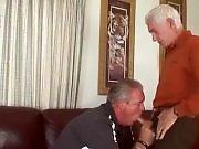 Gâterie pour papy qui va enculer ce vieux gay