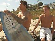 Petit mec drague un surfeur pour qu'il…
