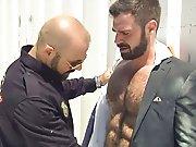 Contrôlé par un policier ce poilu fait un…