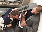 Il se fait sodomiser par un arabe bandant