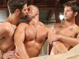 Baise en trio dans l usine ces ouvriers gays…