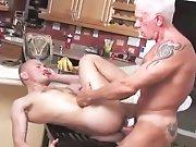 Papy baise un mec plus jeune que lui