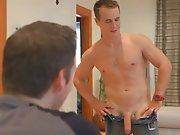 Un gay lui offre un sextoy pour le mater…