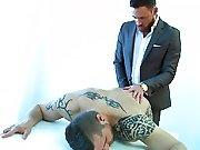 Arroser de sperme un mec en salle de réunion…