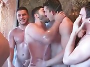 Commencer une orgie sous la douche !