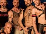 Bande de vieux gays fétichistes partouzeurs