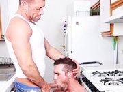 Le plombier a une bonne bite !