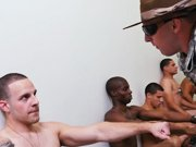 Humiliation d'hétéros dans un camp…