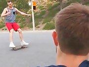 Une bonne bite de skateur pour jouir sans…