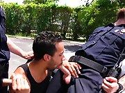 Des policiers gays font la misère à un…