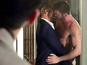 Surprendre son patron baiser avec un mec !