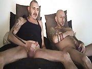 2 gays matures baisent sans capote sous…