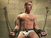 Torturer un beau mec courageux jusqu'à le…