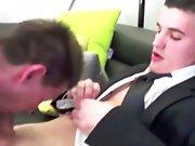 Beur vendeur de sex toy baise un Français !