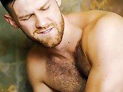 Sodomiser un beau mec poilu avec une capote…