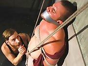 Hétéro attaché sucé de force se fait…