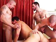 3 mecs à faire gicler dans sa bouche et dans…