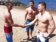 Après la plage ils baisent entre potes !