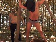Il encule son esclave dans les bois