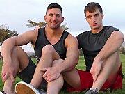 Sodomie hard avec deux sportifs