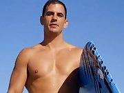 Faire l'amour avec un beau surfeur musclé.