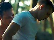 Jeune gay baisé par un pêcheur hétéro.